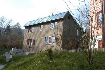 Holzfassaden l rche fichte natur lasiert verputzt vom for Modernes haus graz