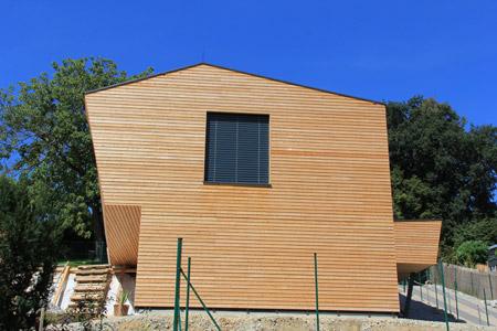 Holzfassade Rhombuslatten