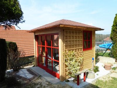 gartenhaus aus holz zur erholung f r gartenger te f r. Black Bedroom Furniture Sets. Home Design Ideas