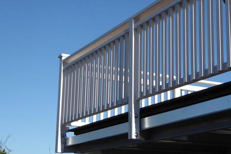 terrassen aus holz f r ihre erholung im garten. Black Bedroom Furniture Sets. Home Design Ideas
