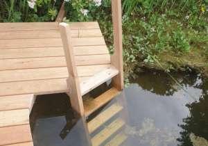 Holzeinstieg für Badeteich
