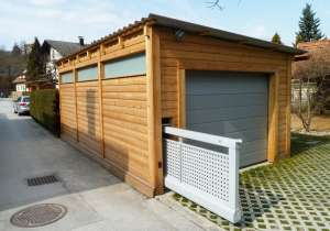 Garage mit Gartentor ausfahrbar
