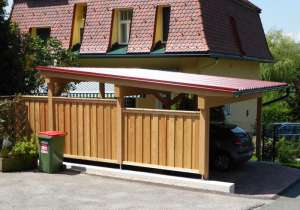 Carport mit Zaun-Verkleidung