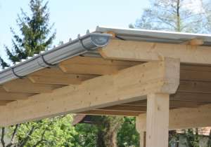 Wellblech-Dach mit Regenrinne Lärche natur