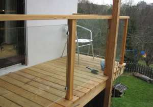 Balkon-Geländer mit Glas-Elementen