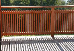 Balkon-Geländer klassisch aus Holz