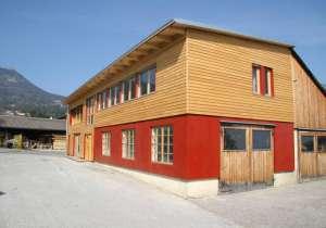 Holzfassade in Lärche, Nano-Beschichtung bzw. Platten mit farbigem Anstrich