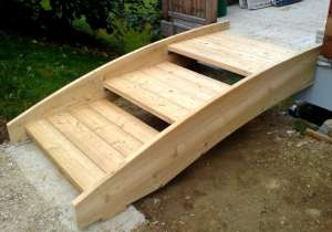 Holztreppe außen