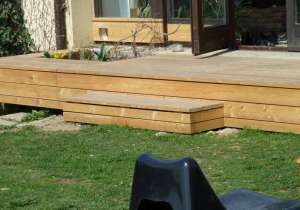Terrasse mit Zugangspodest, Lärche