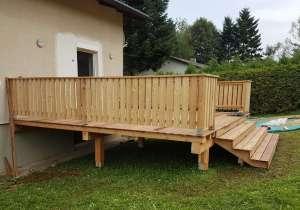 Terrasse mit Aufgang