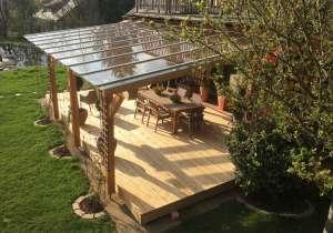 Terrasse mit Glasüberdachung