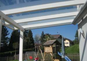 Terrassen-Überdachung weiß lasierte Steher