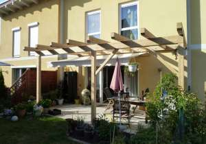 Überdachte Terrasse Holz natur