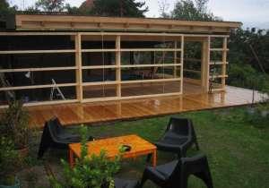 Einfache Schiebe-Wände als Einhausung für Schwimmbad