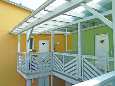 balkon wei. Black Bedroom Furniture Sets. Home Design Ideas