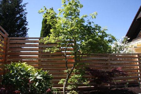 zaun balkongel nder sichtschutz einfriedung umrandung aus holz vom zimmermeister aus graz. Black Bedroom Furniture Sets. Home Design Ideas